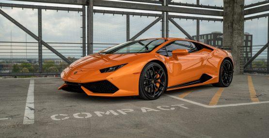 Rent a Lamborghini Huracan